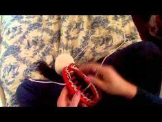 """Débuter un ouvrage au tricotin géant rond au point """"E"""" - YouTube. Quelques """"trucs"""" intéressants pour ne pas que le fil se défasse en cours"""