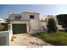 Moradia V3+1 Quarteira Loulé Casas No Algarve, Mansions, House Styles, Home Decor, Townhouse, Mansion Houses, Homemade Home Decor, Manor Houses, Fancy Houses