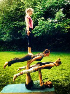 Akrobatik Yoga Crew @ Work :)  München
