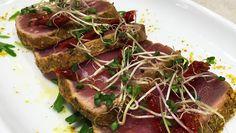 Jubilee hotel&lunch  Tonno rosso scottato al pistacchio e pomodoro secco