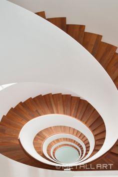 Designtreppen im Seehotel Riva in Konstanz | MetallArt Metallbau Schmid GmbH