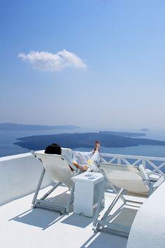 The On the Rocks Hotel in Santorini http://www.mediteranique.com/hotels-greece/santorini/on-the-rocks-santorini/