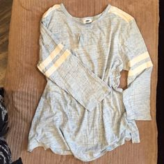 Long sleeve T Heathered baby blue/ivory.  Soft, loose fit.  Cheaper on Ⓜ️erc! Old Navy Tops Tees - Long Sleeve