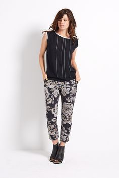 Morning Glow | Fashion | Shirt | Black | White | Viscose | Pants | Print | Flowers | Lookbook