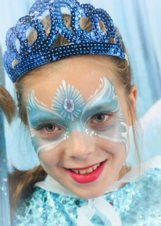 Frozen Face Painting Frozen Party, Frozen Birthday, Frozen Face Paint, Halloween Painting, Food Themes, Fantasy Makeup, Winter Time, Adult Costumes, Disney Frozen