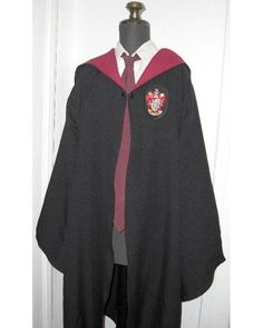 Harry Potter robe pattern on Burdastyle by Alasse -I am seriously going to make one of these and wear it (probably minus the gryf crest)..been wanting to for a few years now)