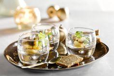 Een prachtig en toch erg eenvoudig hapje, deze gekaramelliseerde paling, gepresenteerd in een mooie verrine. Met een Oosterse touch de ideale starter!