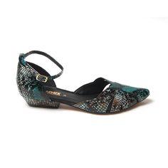 Sapato de bico fino, com tornozeleira, em couro com estampa de cobra na cor turquesa - LOULOUX