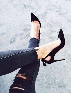 Plus le slim est destroy, plus les escarpins doivent être chics ! (instagram Sara Donaldson):