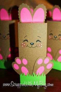"Niedliche Geschenkverpackung für Ostern >> "" Easter Bunny Boxes..."" OMG... What adorable little bunnies..!!! Fabulous idea for an Easter Party for your little bunnies at school..! L❤ve it.... ✿◕‿◕✿"