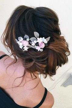 Ombre wedding hairstyles are on-trend. Check out our collection for different hair lengths and colors - you'll definitely find your look! Wedding Party Hair, Elegant Wedding Hair, Short Wedding Hair, Hair Comb Wedding, Wedding Hair Pieces, Glamorous Wedding, Wedding Hairstyles For Long Hair, Braids For Long Hair, Party Hairstyles