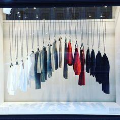 Storefront ideas Clothes Shop Window Display Visual Merchandising 24 Super Ideas Ideas About The Cod Boutique Interior, Interior Shop, Retail Interior Design, Window Display Design, Store Window Displays, Retail Displays, Shop Displays, Fashion Displays, Clothing Displays