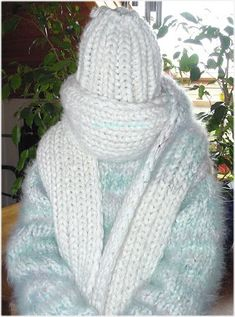 Fluffy Sweater, Sweater Scarf, Wool Scarf, Gros Pull Mohair, Extreme Knitting, Big Knits, Winter Beauty, Catsuit, Mittens