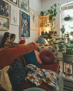 living room Vintage living room inspo with burnt orange velvet sofa - Home Decor - . , Vintage living room inspo with burnt orange velvet sofa - Home Decor - . Cozy Living Rooms, Living Room Decor, Living Spaces, Bedroom Decor, Design Bedroom, Dining Room, Living Room Vintage, Hippie Living Room, 70s Bedroom