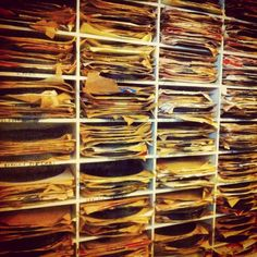 It paid to sort through this wall of 78s today. #shellac #soundtrack #latin #vinyl #records #lp #78rpm #vinylclub #vinyligclub #instagrooves #instavinyl #vintagevinyl #vinylporn #vinyljunky...