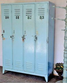 Modèle vestiaire - 4 portes  Idéalement Profondeur: 50 et Largeur: 100 - 150