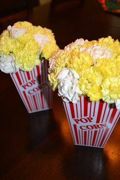 """Yellow and white carnation """"popcorn"""" centerpieces for movie or Oscar party.-Watch Free Latest Movies Online on Movie Decor, Movie Theme Decorations, Hollywood Theme Decorations, Popcorn Decorations, Table Decorations, Movie Night Party, Party Time, Movie Gift, Party Party"""