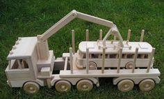 Lesní tahač, hračka dřeva Tatra odváží autobus. 2662,- Kč