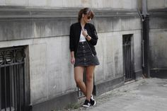 Bomberjacket Outfit, black denim skirt, adidas gazelle sneaker, black and white, casual outfit, minimal, autumn, sporty