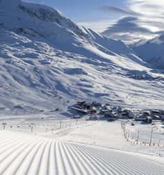 Alpe d'Huez, French Alps http://skicollection.co.uk/Ski/Alpe-d-Huez.htm