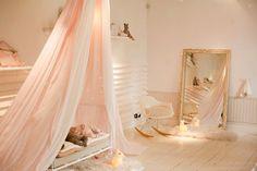 Precious Room / apricot tones