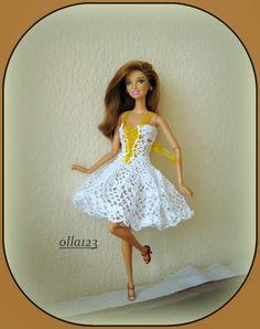 Blog o Barbie Fashionistas firmy Mattel, próbach tworzenia dla nich ubrań oraz o…