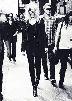 Taylor Momsen, Pretty Reckless, Goth Rock Fashion, NuGoth Style, Modern Goth Girl, Gothic Streetwear, Love Taylor Momsen's Goth Rock Look