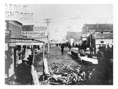 Yukon Klondike Gold Rush, Dawson City, 1898