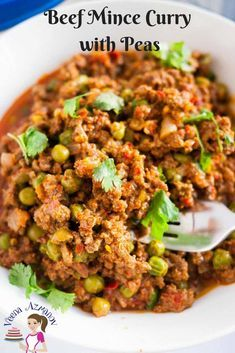 This beef mince curry is an Indian classic made with peas. Very similar to chili with minced meat and beans but here we use ground beef and frozen peas in Minced Beef Recipes Easy, Minced Meat Recipe, Healthy Beef Recipes, Pea Recipes, Curry Recipes, Indian Food Recipes, Beef Mince Recipes, Healthy Meals, Garam Masala