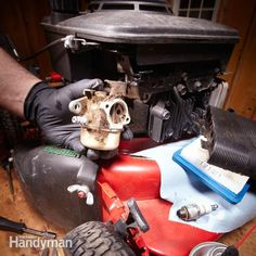Most of the time when a lawn mower, snow blower or any small engine won't start the cause is a problem with the gas or the carburetor. Here's how to find and fix the problem.