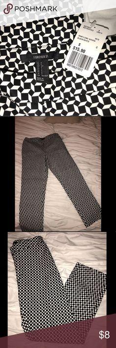 Black and White Geo Print Pants Pants woven black and white print Forever 21 Pants Trousers
