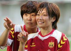 Ji So-Yun y Nahomi Kawasumi