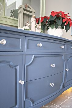 Admiralty blue for entertainment console