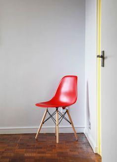 Adrian Manea refurbishes Modernist flat in Belsize Park One Bedroom Flat, Minimal Home, Dezeen, Mid Century Furniture, Mid Century Design, Contemporary Interior, Furniture Design, House Design, Interior Design