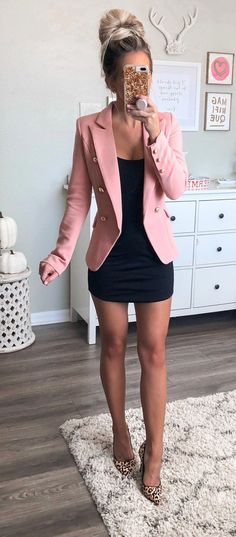 57 Non-Boring Work Outfits Ideas for Career Women - 40 Non-Boring Work Outfits Ideas for Career Women – Fashion Enzyme - Cute Work Outfits, Fall Outfits For Work, Pink Outfits, Mode Outfits, Casual Outfits, Fashion Outfits, Travel Outfits, Sexy Work Outfit, Outfits For Going Out