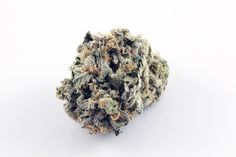 Sublime Blue Dream is a sativa that balances full-body relaxation with cerebral invigoration. This popular strain is perfect for both novices and the experienced consumer. Very effective daytime medicine.