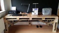 """Upcycling- """"Schreibtisch aus Paletten"""", Selbstgemacht, Nähtisch, Platz zum Arbeiten, Großer Tisch, Nähen macht Spaß, Einwegpaletten"""
