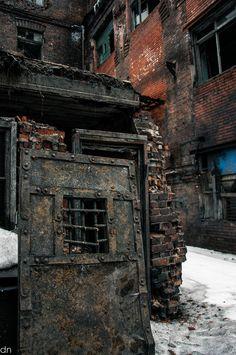 Door to Nowhere, St. Petersburg, Russia ●彡 Cool Doors, The Doors, Windows And Doors, Old Buildings, Abandoned Buildings, Abandoned Places, Haunted Places, Abandoned Mansions, Door Knockers