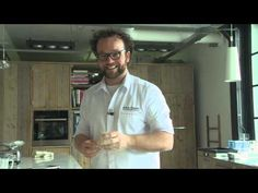 Masterclass Brood bakken - YouTube Masterclass, Youtube, Mens Tops, Bread, Play, Food, Breads, Youtubers, Bakeries