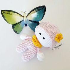 #crochet #amigurumi #amigurumidoll #handmade #yarnartjeans #amigurumitoy #handcraft #ilovecrochet #butterfly #amigurumiaddict #handmadetoys #elyapimi #organik #istanbul #örgüoyuncak #sleepingfriend #amigurumidoll by atolyeirebis