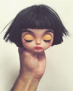 Someone new is going to be born... #erregiro #erregirodolls #dark #blythe #doll #boneca #muñeca #custom #blythedoll #carving #poupée #makeup #sculpt #maquillaje #instadoll #stripes #手首 #ブライズ #fashion #moda #ブライスドール #art #diseño #design #instablythe #arte #arttoy #toy #black #instadoll
