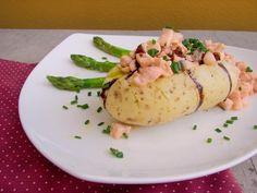 Uma receita fácil e rápida para qualquer tipo de cozinheiro! Experimente essas batatas recheadas com salmão e brie!