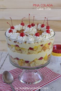 Pina Colada Cake Trifle - layers of cake, fruit, and no bake cheesecake makes this a must make dessert. Make this easy recipe and watch everyone devour it at summer picnics! Trifle Dish, Trifle Desserts, Trifle Recipe, Pudding Desserts, No Bake Desserts, Easy Desserts, Delicious Desserts, Yummy Food, Baking Desserts