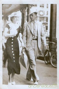 Everyday fashion in Texas, 1945