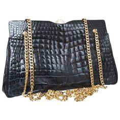 5776be332d4 Buy your crocodile handbag DIOR on Vestiaire Collective