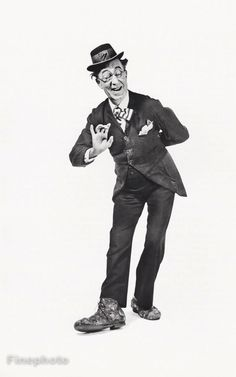 1950 Vintage Ed Wynn Comedian Vaudeville Actor Photo Art Philippe Halsman Ed Wynn, Philippe Halsman, Human Poses, Clowning Around, Send In The Clowns, Actor Photo, Man Ray, Ansel Adams, Vintage Movies