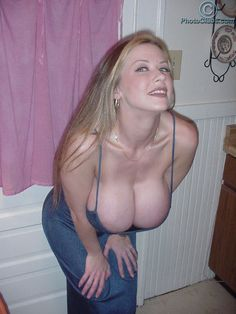2Busty Legend - Dixie Bubbles