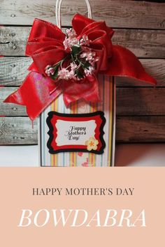 Mother's Day gift bag is a great way to send something special to mom #abrabowdabra #bowdabra #giftbag Diy Mother's Day Crafts, Mothers Day Crafts, Diy Craft Projects, Happy Mothers Day, Bow Making Tutorials, Craft Tutorials, Creative Gift Wrapping, Creative Gifts, How To Make Hair