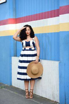 Wie sieht es aus, wenn eine dünne und eine #PlusSize-Modebloggerin ein und dasselbe #Kleid stylen? Zwei Frauen, zwei Figuren, ein Dress.