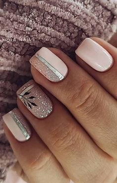 - 35 Best and Playful Glitter Nails Design Ideas in This Week Page 10 of 35 Nail Art Bright Nail Designs, Short Nail Designs, Simple Nail Designs, Stylish Nails, Trendy Nails, Cute Nails, Metallic Nails, Glitter Nails, Glitter Outfit